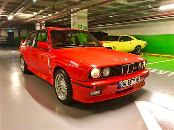 1987 model, BMW M3 Coupe<br/>2300 cm³ - 219.400 km